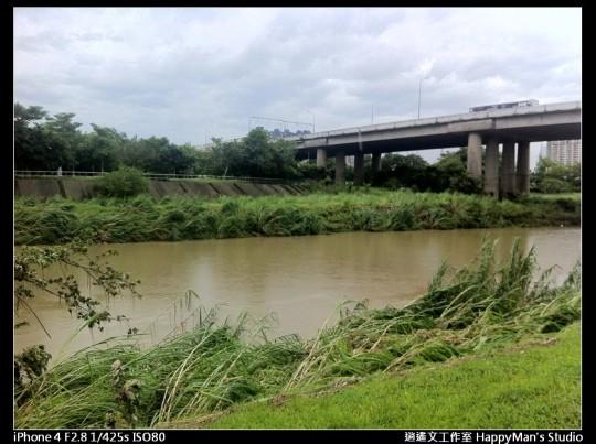 被蘇力颱風掃過的福和河堤 (4)