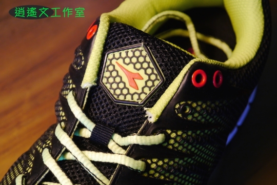 DIADORA 男輕量慢跑鞋00003