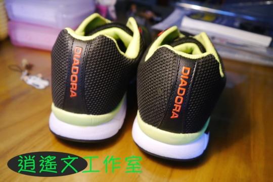 DIADORA 男輕量慢跑鞋00008