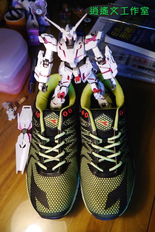 DIADORA 男輕量慢跑鞋00009